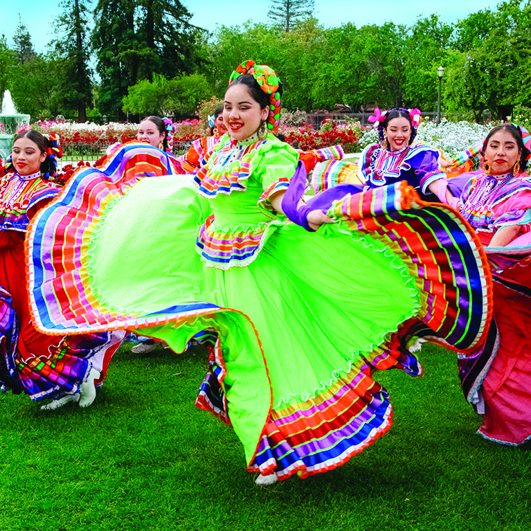 Grupo Folklorico Los Laureles dancing in the Municipal Rose Garden