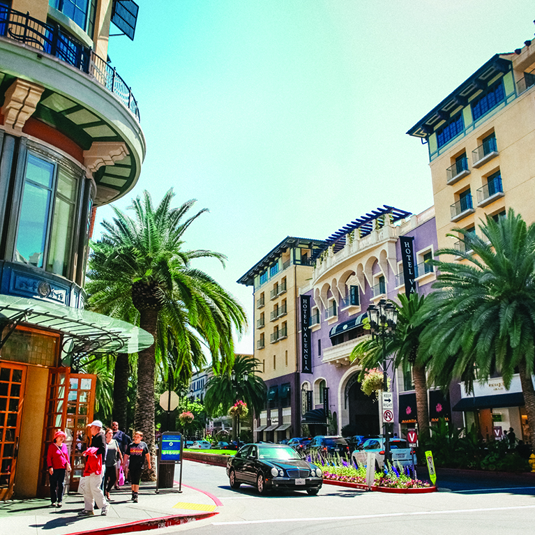 Shopping under the sun at Santana Row, the rodeo drive of Silicon Valley